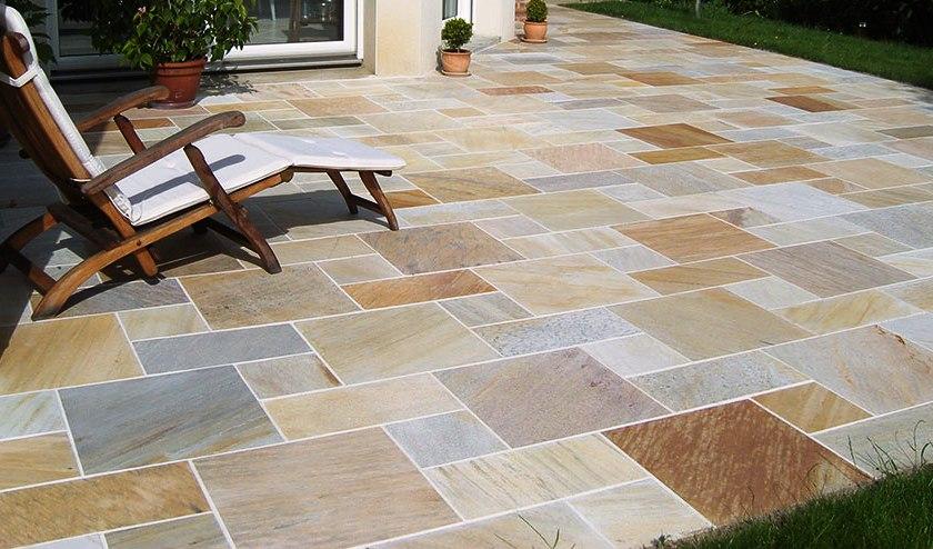 Pavage quartz jaune un jardin chez vous for Entretien jardin 56450